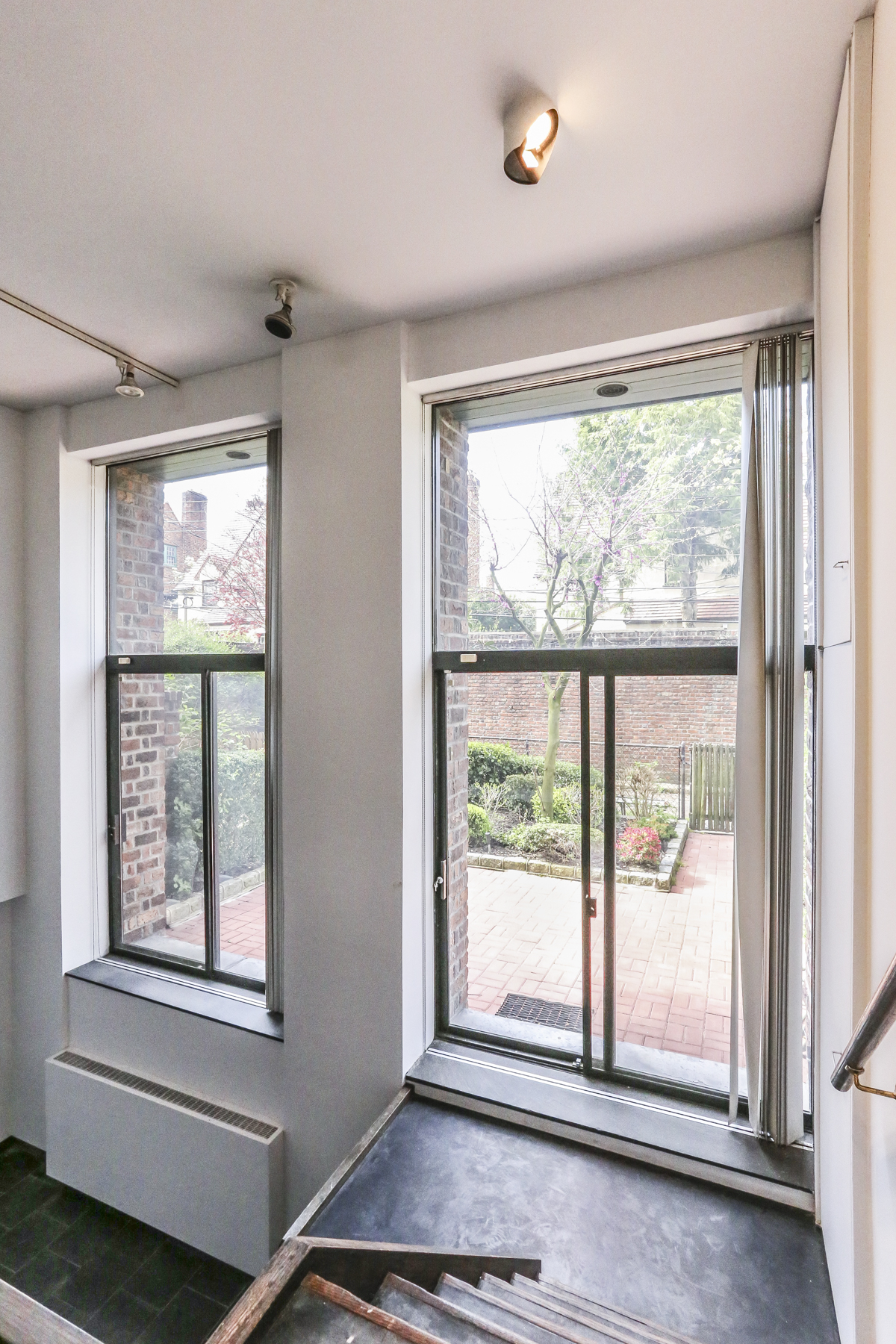 Additional photo for property listing at 39 INGRAM STREET FOREST HILLS GARDENS, NYC  Forest Hills, New York 11375 United States