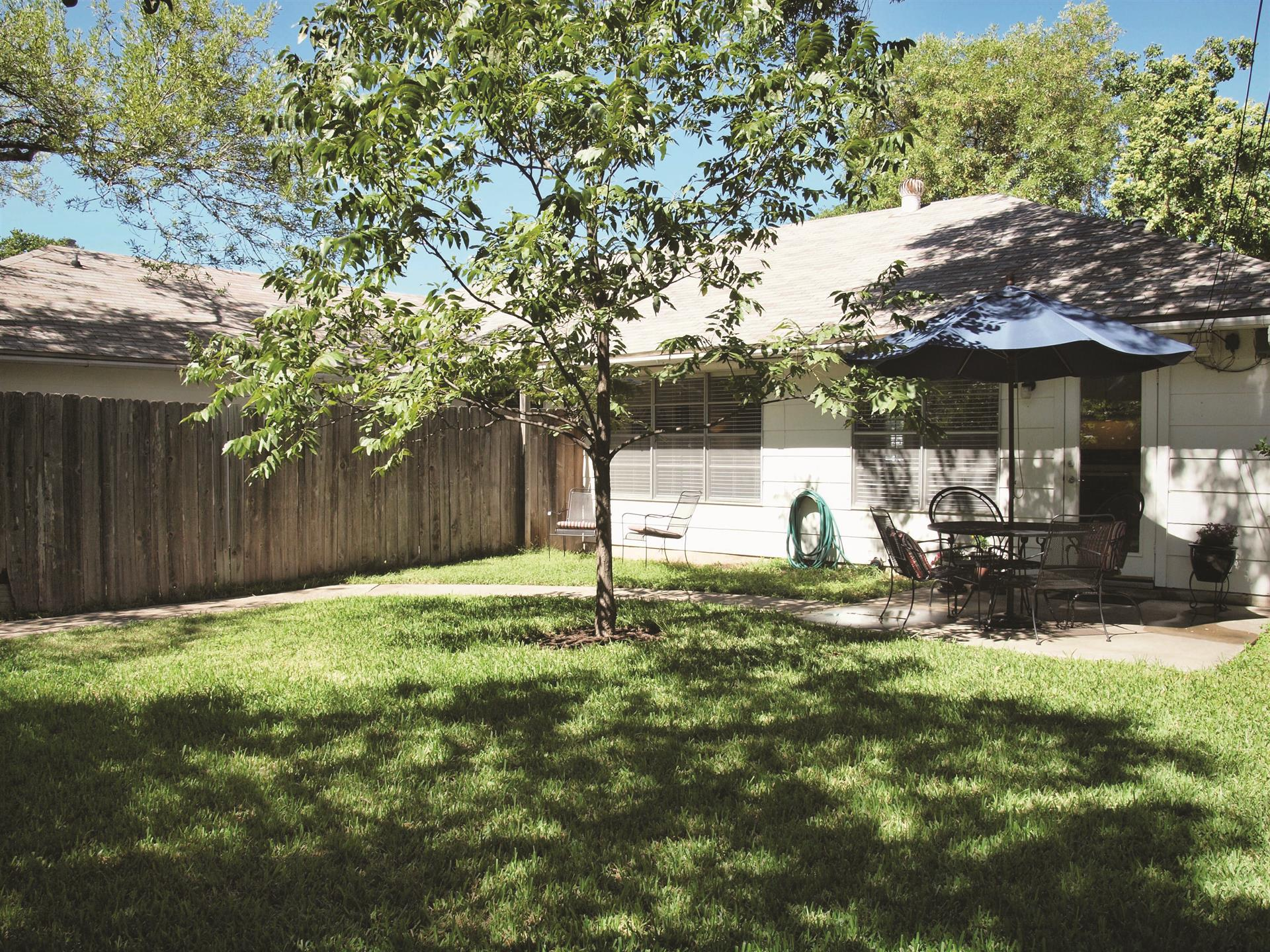 Additional photo for property listing at 2205 Teakwood Dr  Austin, Texas 78757 United States