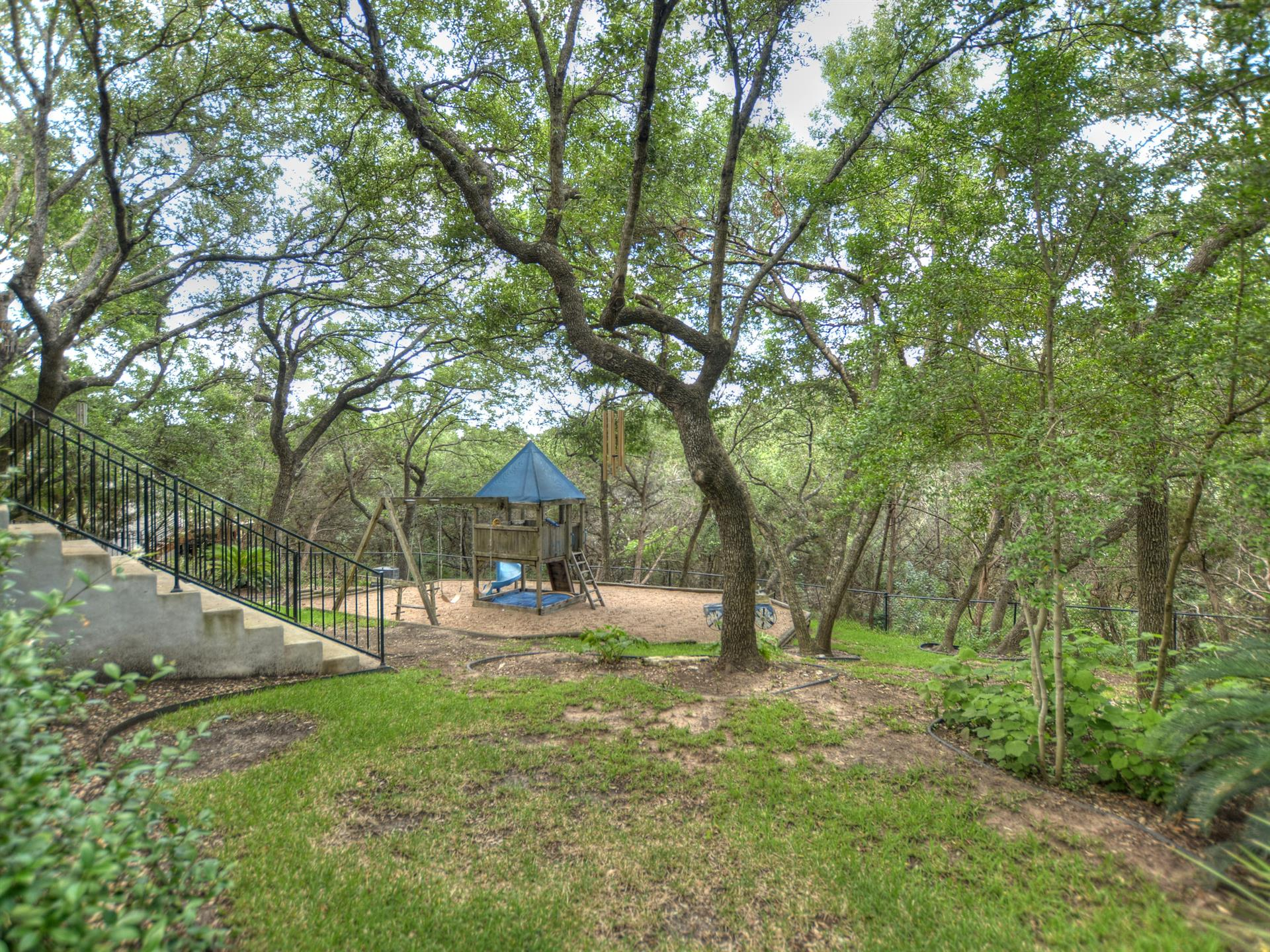Additional photo for property listing at 6006 Lonesome Valley Trail 6006 Lonesome Valley Trail Austin, Texas 78731 Estados Unidos