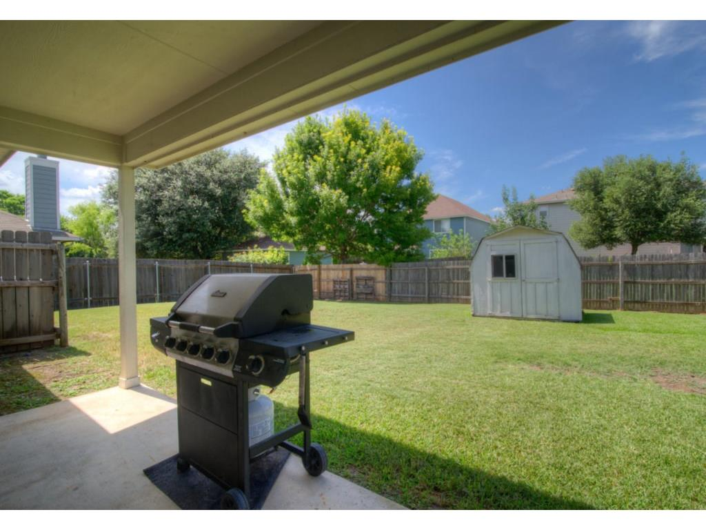 Additional photo for property listing at 537 Hampton ST  Buda, Texas 78610 United States
