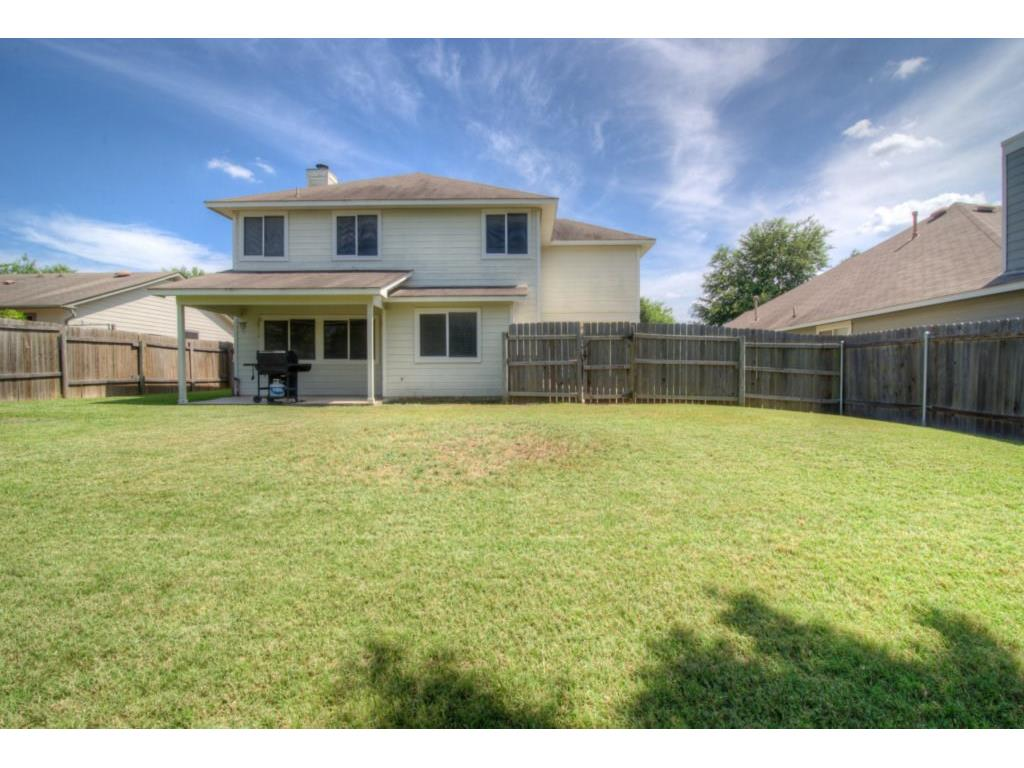 Additional photo for property listing at 537 Hampton ST  Buda, Texas 78610 Estados Unidos