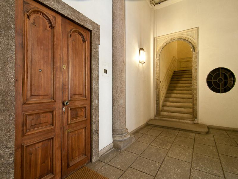 Additional photo for property listing at Ufficio di rappresentanza in palazzo storico Piazza Missori Ad.ze Milano, Milan _ Italien