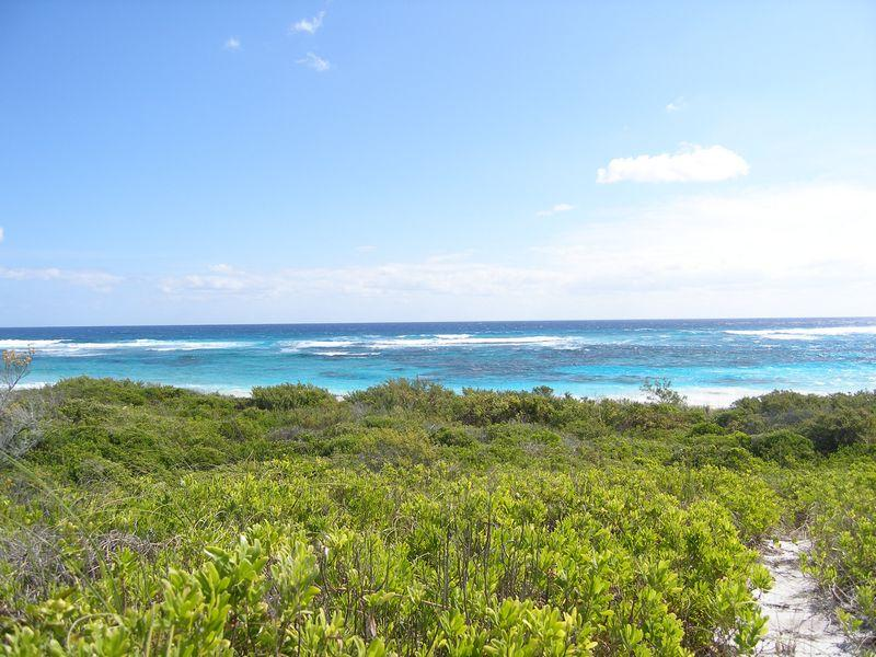 Land for Sale at Airport Beach Excellent investment opportunity Governors Harbour, Eleuthera . Bahamas