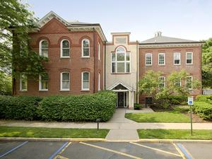 Additional photo for property listing at 6 Academy Court Pennington,, NJ Pennington, New Jersey United States