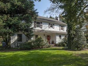 Additional photo for property listing at 9 Branchwood Court Lawrenceville, NJ Lawrenceville, Nueva Jersey Estados Unidos