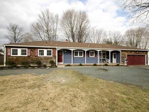 Additional photo for property listing at 4 Dogwood Drive Lawrence, NJ Lawrence, Nueva Jersey Estados Unidos