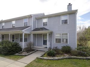 sold property at 8 Eaton Court Hopewell, NJ