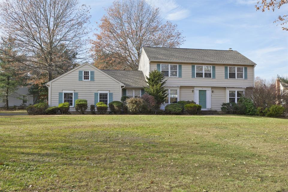 Additional photo for property listing at 2 Candlewood Drive Princeton Jct, NJ (West Windsor Twp) Princeton Junction, New Jersey États-Unis