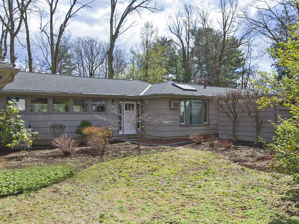 Additional photo for property listing at 155 Edgerstoune ROad Princeton, NJ Princeton, New Jersey United States