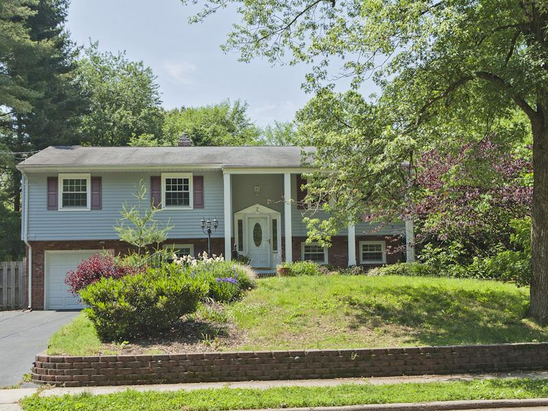 Additional photo for property listing at 7 Stonicker Drive Lawrenceville, NJ (Lawrence Township) Lawrenceville, Nueva Jersey Estados Unidos