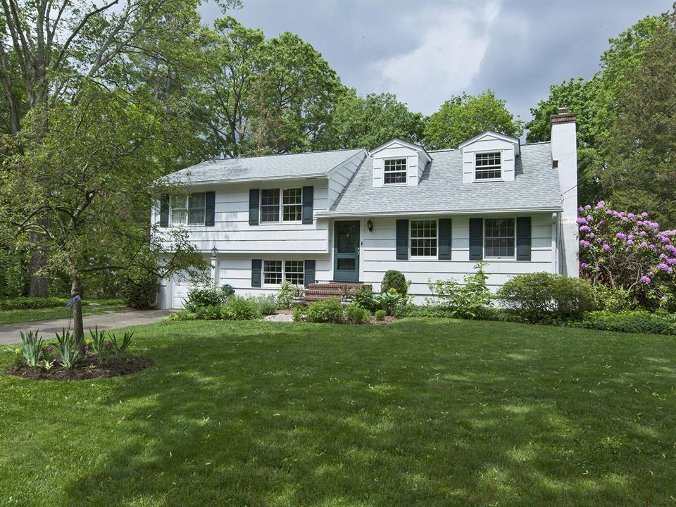 Additional photo for property listing at 38 Marion Road West Princeton, NJ Другие Страны