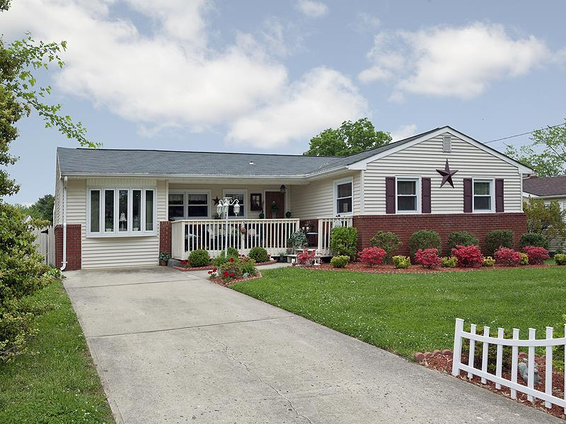 Additional photo for property listing at 28 Weyburne Road Hamilton, NJ Другие Страны