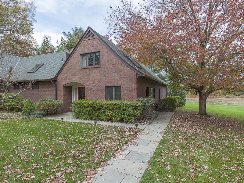 Additional photo for property listing at 15 Constitution Hill East Princeton, NJ Другие Страны