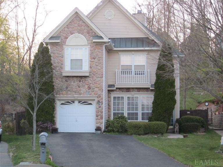 sold property at 10 Carlton Court, Peekskill, New York 10566