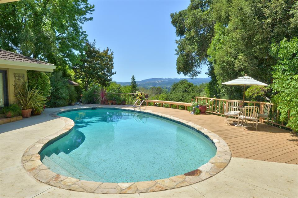 Additional photo for property listing at 1224 N. Fitch Mountain Road, Healdsburg Otros Países