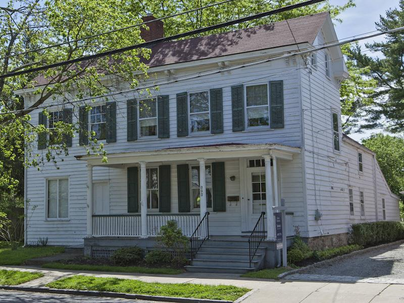 Additional photo for property listing at 126 South Main Street Pennington, NJ Otros Países