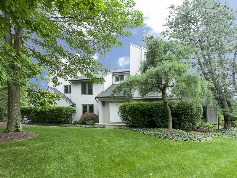 Additional photo for property listing at 7 North Field Court Lawrenceville, NJ Другие Страны