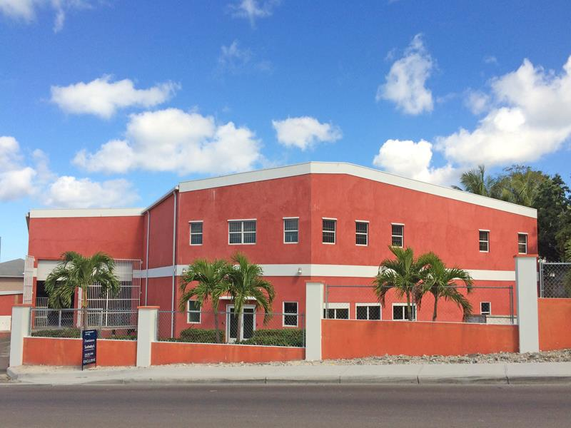 Commercial for Rent at Alumaworx, Commercial Warehouse RENTAL 106 THOMPSON BOULEVARD Thompson Boulevard, Nassau And Paradise Island . Bahamas