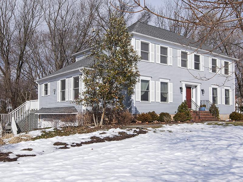 Additional photo for property listing at 6 North Riding Drive Pennington, NJ Другие Страны