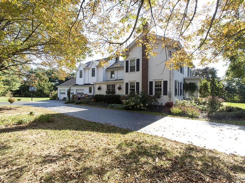 Additional photo for property listing at 100 Perrine Road Monmouth Junction, NJ (Plainsboro Twp) Monmouth Junction, Nueva Jersey Estados Unidos