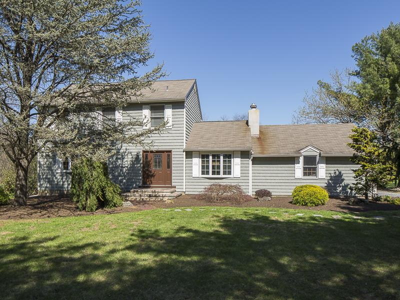 Additional photo for property listing at 429 Province Line Road Hopewell, NJ (Montgomery Township) Hopewell, New Jersey United States