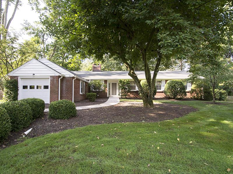Additional photo for property listing at 232 Edgerstoune Road Princeton, NJ Princeton, New Jersey États-Unis