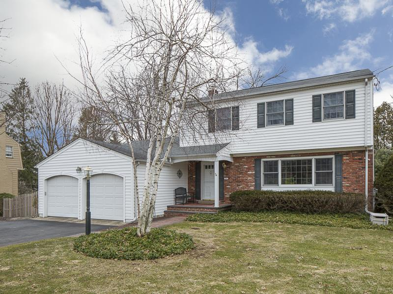 Additional photo for property listing at 14 Westwood Drive Ewing, NJ Ewing, Нью-Джерси Соединенные Штаты