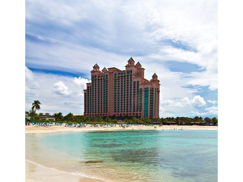 供暖系统 为 销售 在 The Reef at Atlantis, Unit 4-925, Paradise Island, Bahamas Paradise Island, Paradise Island 巴哈马