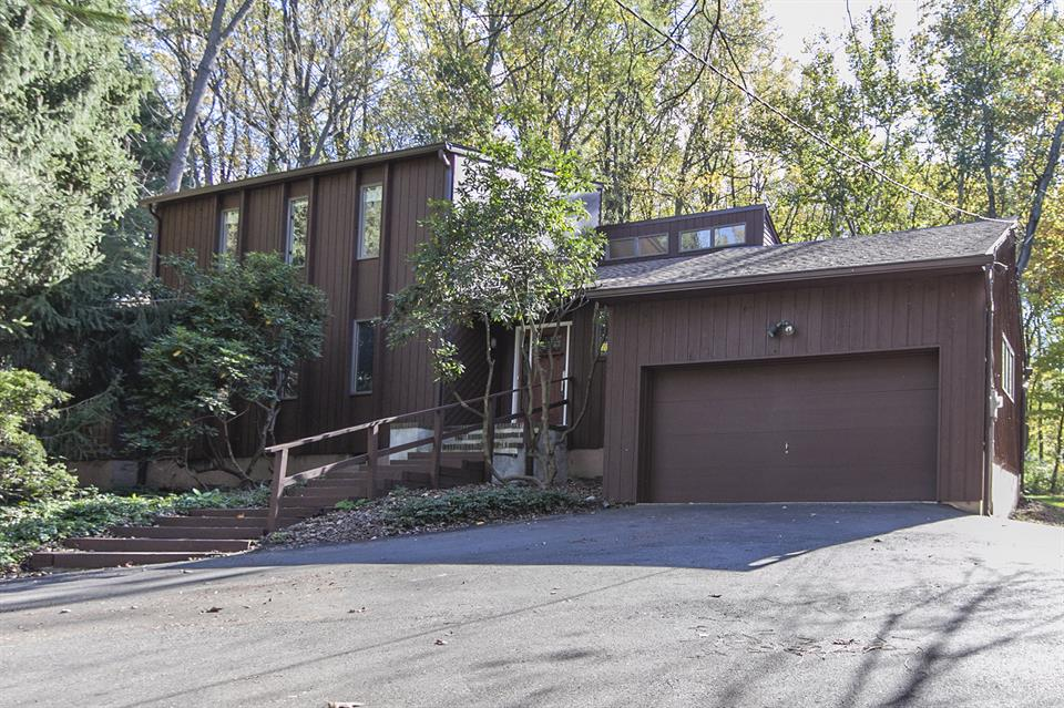 Additional photo for property listing at 283 West Upper Ferry Road Ewing, NJ Ewing, Нью-Джерси Соединенные Штаты