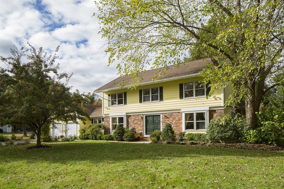 Additional photo for property listing at 4 Kingsley Court Princeton Jct, NJ Princeton Junction, Нью-Джерси Соединенные Штаты