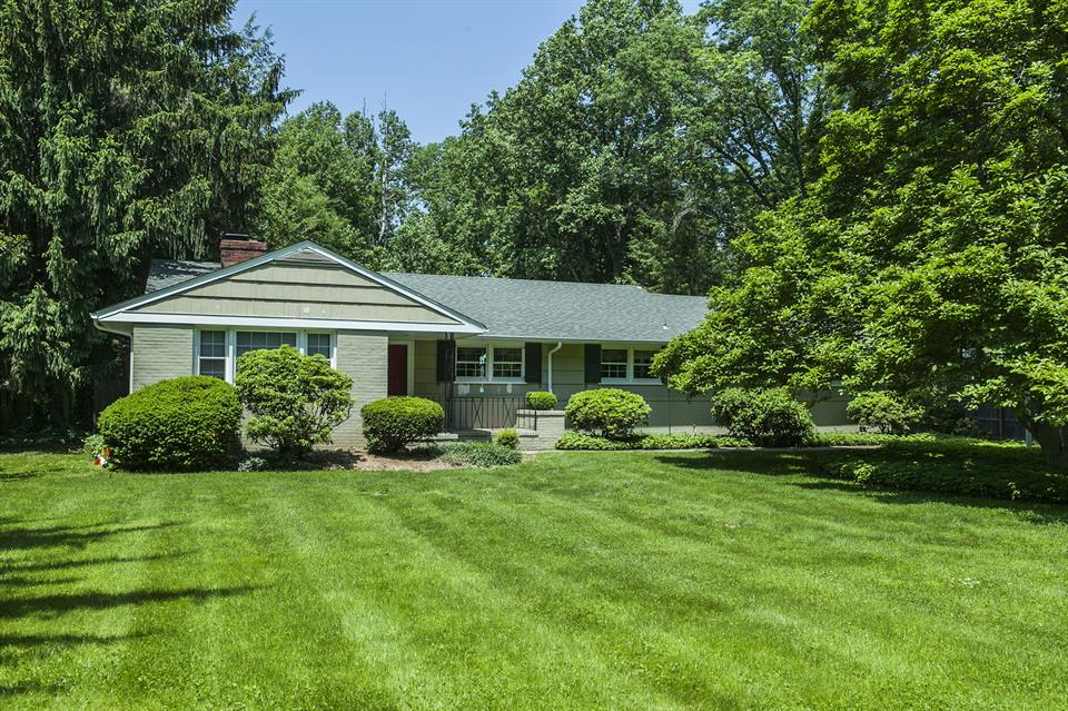 Additional photo for property listing at 774 Kingston Road Princeton, NJ Autres Pays