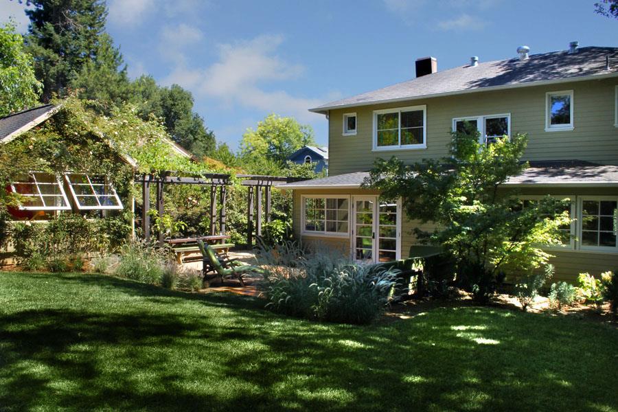 sold property at 403 Sherman Street, Healdsburg, California
