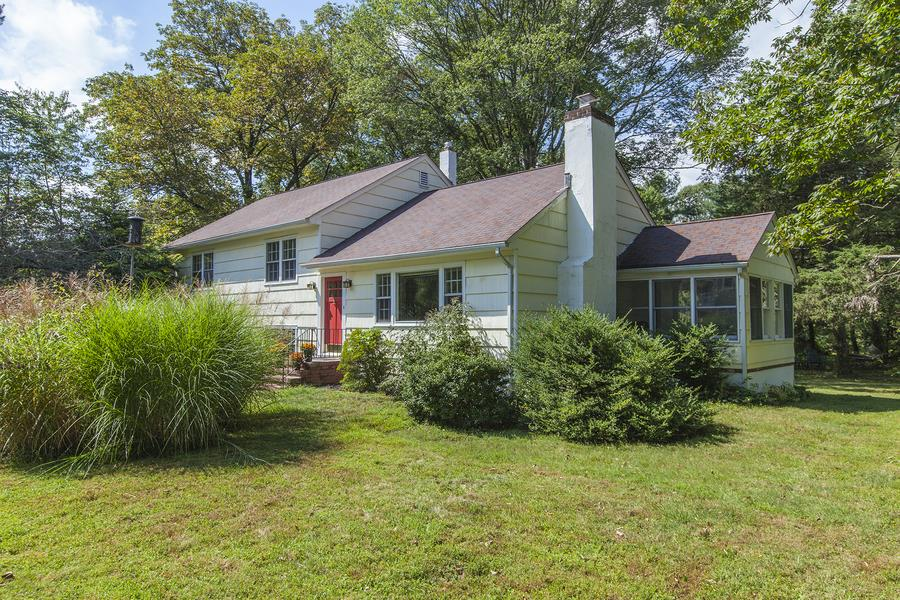 Additional photo for property listing at 18 Marion Road West Princeton, NJ Princeton, Нью-Джерси Соединенные Штаты