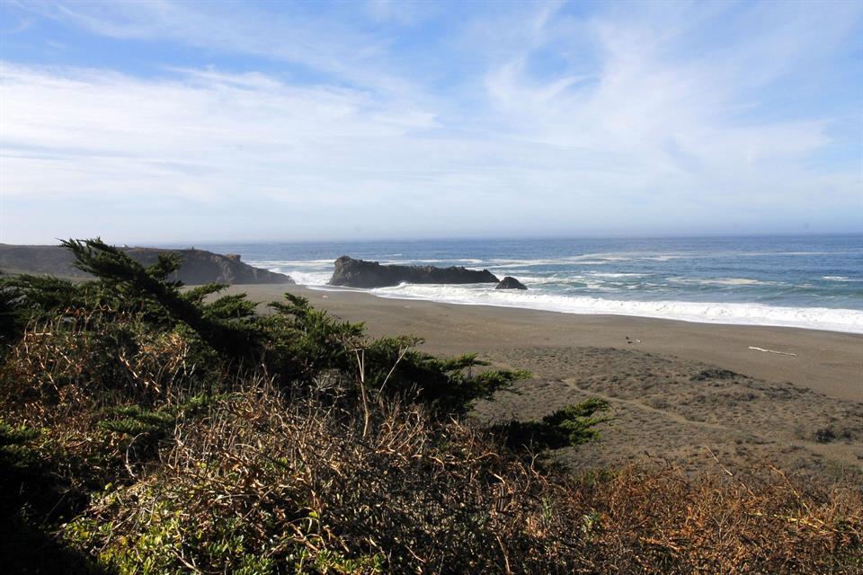 Additional photo for property listing at 7075 Cliff Avenue, Bodega Bay, CA Autres Pays