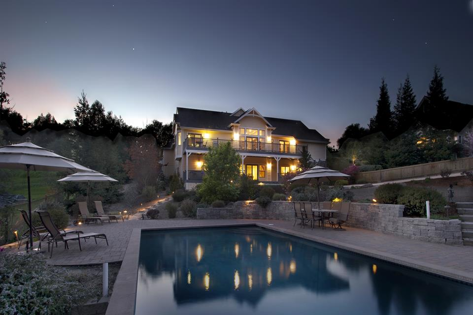 sales property at 126 Moonlight Drive, Healdsburg, California