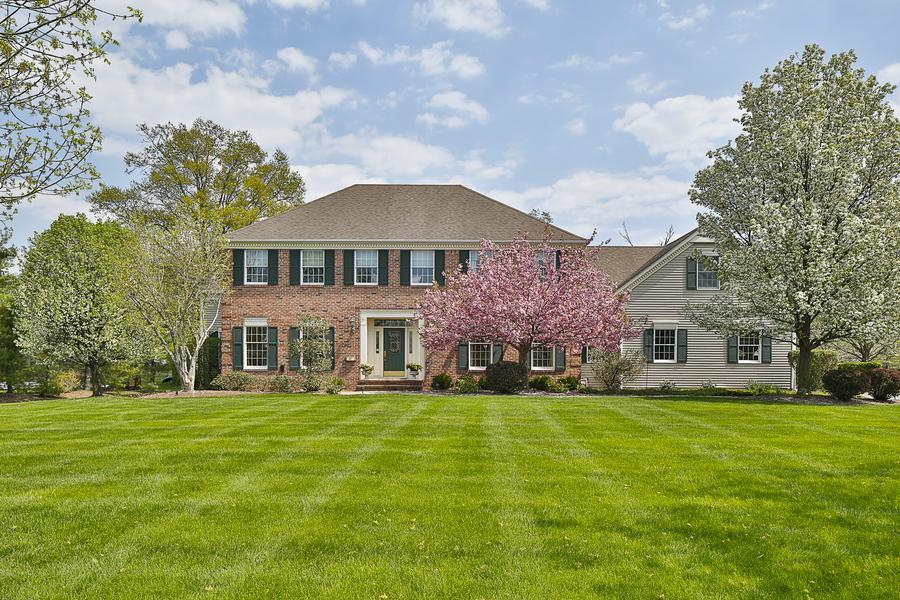 Additional photo for property listing at 67 Red Oak Way Belle Mead, NJ (Montgomery Township) Belle Mead, New Jersey United States