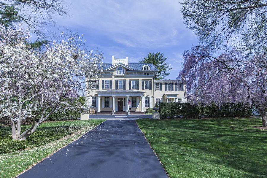 Additional photo for property listing at 15 Hodge Road Princeton, NJ Princeton, New Jersey États-Unis