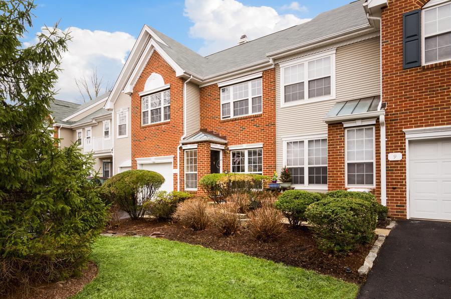sold property at 7 Voorhees Court Pennington, NJ