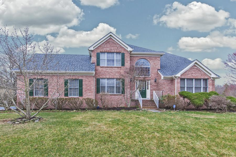 Additional photo for property listing at 14 Exeter Lane Belle Mead, NJ (Montgomery Township) Belle Mead, Нью-Джерси Соединенные Штаты