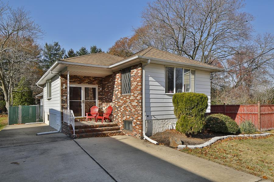 Additional photo for property listing at 116 Fairlawn Avenue Hamilton Township Hamilton Township, New Jersey États-Unis