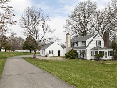 Unique la famille pour l Vente à 238 Pleasant Valley Road Hopewell, NJ Hopewell, New Jersey États-Unis
