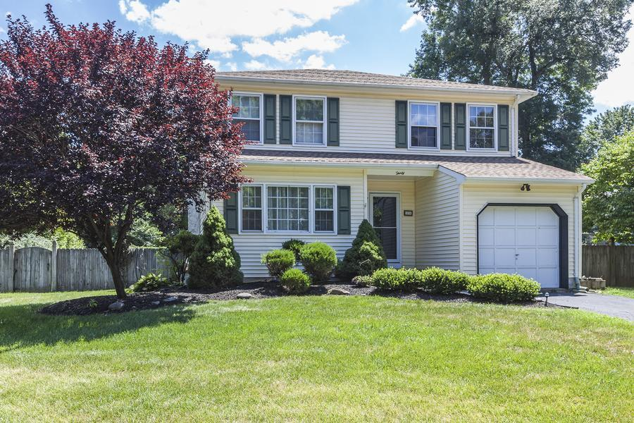 Additional photo for property listing at 30 Hobbs Road Hamilton, NJ Hamilton, Нью-Джерси Соединенные Штаты