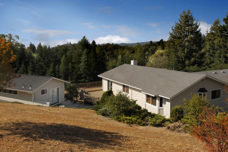 sold property at 210 Burgundy Road, Healdsburg, California