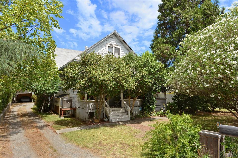 sold property at 85 W. Matheson Street, Healdsburg, California