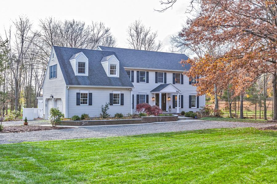 Один семья для того Продажа на 26A Elm Ridge Road Pennington, NJ (Hopewell Township) Pennington, Нью-Джерси Соединенные Штаты