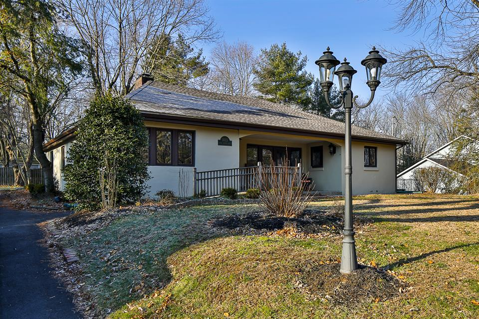 Additional photo for property listing at 1015 Bear Tavern Road Ewing, NJ Ewing, New Jersey États-Unis