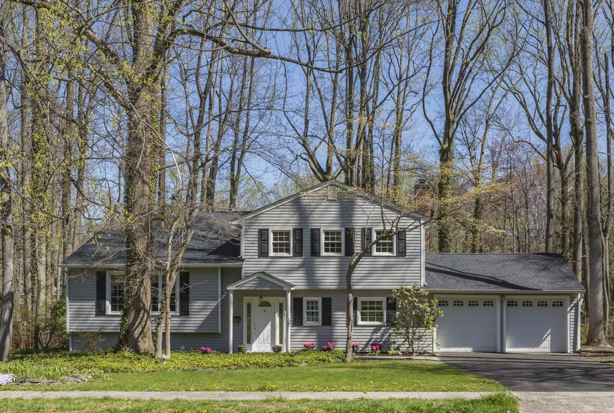 Additional photo for property listing at 34 Pin Oak Drive Lawrenceville, NJ Otras Áreas, USA