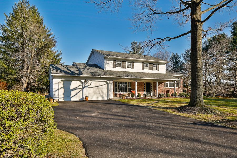 Single Family for Sale at 31 Wood Hollow Road Princeton Jct, NJ (West Windsor Twp) Princeton Junction, New Jersey United States