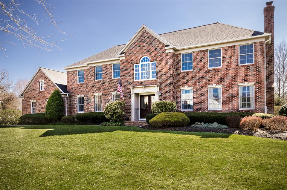 Residential for Sale at 4 Cliffview Court West Windsor, NJ West Windsor, New Jersey United States