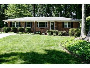 Additional photo for property listing at 2616 Winding Lane NE  Atlanta, 조지아 30319 미국